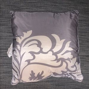 Grey pillow with insert